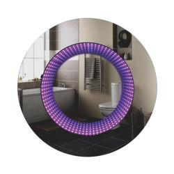 En la pared Espejo Mágico inteligente con pantalla táctil de la luz de LED