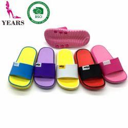 Plus tard été Greatshoe Design Fashion Enfants Les enfants pantoufles de plage avec du PVC Upper