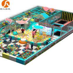 Игровая площадка для установки внутри помещений с оборудования и переход