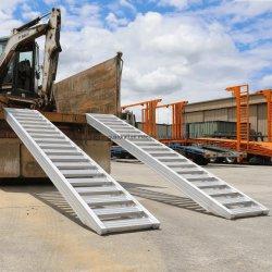 As rampas de carga de alumínio para veículos de carga com esteiras de aço em reboques e semi-reboques de mesa baixa