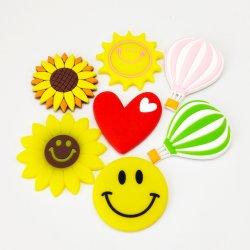 De façon personnalisée Cartoon cadeau promotionnel en forme de coeur Fridge Magnet Tournesol Smiley PVC Décoration maison réfrigérateur aimant