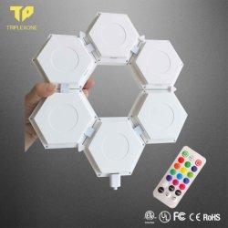 La luz del sensor táctil Hexagonal Modular Lampara de pared Novedad Decoración creativa Noche de Luz LED con control remoto
