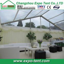 500 Pessoas Apagar parte do telhado tenda de casamento