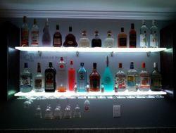Mur de LED en acrylique personnalisée monté en rack de vin