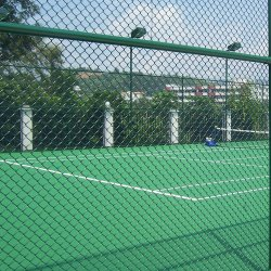 Bearbeitetes Eisen-Grün-Metalldraht-Ineinander greifen-Sicherheitszaun-Panel-Stadion-Zaun