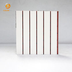 La superficie de melamina blanca de absorción acústica de madera de madera panel acústico