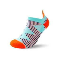 2021 calzino di sport della caviglia dei calzini spessi su ordinazione all'ingrosso di marchio breve delle donne professionali colorate respirabili del Terry