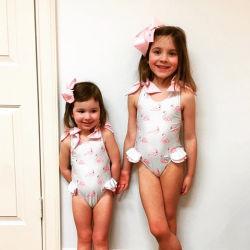 Adorável flamingos cor um pedaço de Menina Kids calções de banho