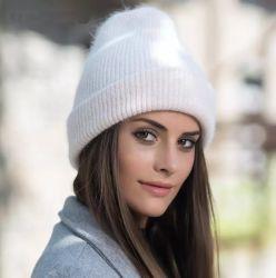 진짜 Fox 모피 공을%s 가진 우아한 고품질 백색 캐시미어 천 겨울 크로셰 뜨개질 뜨개질을 하는 모자