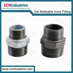 Montaje del tubo de hierro maleable galvanizado el reductor de pezón Hex.