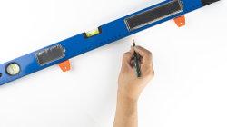 Niveau à bulle multifonction avec un ruban à mesurer les outils de mesure