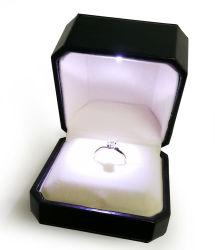 La moda de la luz de LED negro colgante/anillo de cuero de PU/Pulsera /Ver Pacakging Joyas joyas de la caja de embalaje Caja de almacenamiento