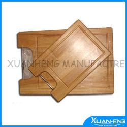 Scheda di taglio di legno dell'acero quadrato con la maniglia