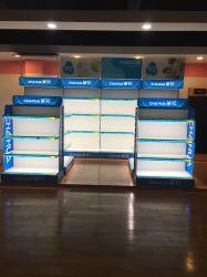 Supermercado metal e vidro Prateleira de parede com a placa de anúncio