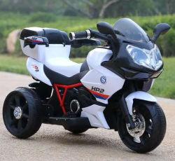 車の赤ん坊の電動機のバイクの乗車