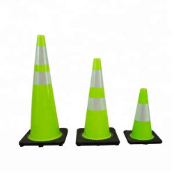 "28"" 7lbs Wegveiligheid Cones Black Rubber Base Traffic Cone Met Pvc-Materiaal"