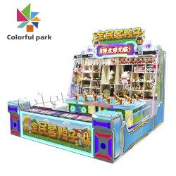 De kleurrijke Machine van het Spel van het Park krabt het Speelgoed