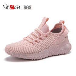 Les couleurs de haute qualité tricoter Sneakers Femmes Hommes exécutant chaussures de sport