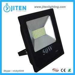 Nouveau design 50W de l'éclairage extérieur intégré Projecteur à LED