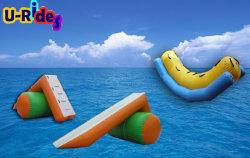 海公園のための水スライドとの膨脹可能な水よろめき
