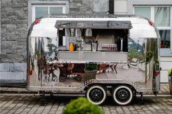 유럽에서 가장 패셔너블한 Airstream 음식 트레일러 스테인리스 스틸 패스트 푸드 Coc/CE 푸드 카트가 있는 트럭