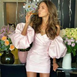 Um3985 vestidos de Verão 2020 Rosa off-Shoulder Acetinado Backless luva esfoliante Mini vestido roupa feminina