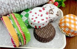 Fogli di carta che cups di cottura della torta che vende a caldo Stampa personalizzata più conveniente Carta colorata Cake Cup carta Cake Cup Cake Cupcake Liners