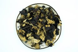 Getrockneter schwarzer Pilz (Auricularia-Aurikel)
