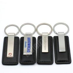Comercio al por mayor baratos en cantidades grandes hechos a mano Llavero de metal personalizados coche de la tarjeta de nombre auténtico de cuero de PU Logotipo Logotipo de la marca de coche Llavero de regalo promocional