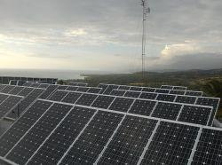 100KW de tres fases; Una larga vida útil del sistema inversor de la planta de energía solar para la escuela en Nigeria