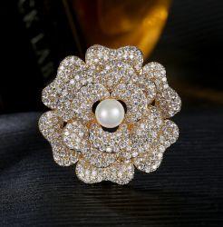Fleur de mode de conception élégante décoration Parti Bijoux pour femme plaqué Or jaune 925 Silver Brooch Bijoux