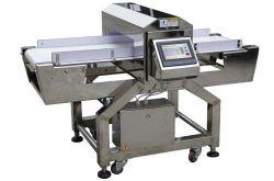 L'alimentation du détecteur de métal pour la viande de la machine, jambon, saucisses, côtes, longe le traitement