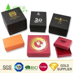 Bon marché De façon personnalisée les emballages papier Boîte ronde à la main de l'artisanat pli magnétique du tube de carton ondulé Kraft Bijoux cosmétiques emballage pour cadeau de Noël
