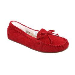 女性のスリッパの女の子の柔らかい屋内靴のための快適なモカシンの平たい箱の毛皮の暖かい靴