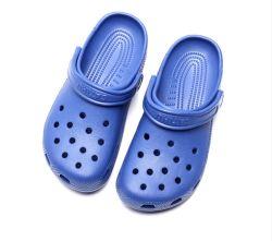 De eenvoudige Goedkope Klassieke OpenluchtBelemmeringen van Sandals van de Schoenen van de Tuin van het Embleem van het Schuim van EVA van de Injectie Holey van het Strand Antislip In te ademen Vlakke Comfortabele de Zomer Aangepaste Plastic
