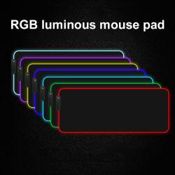لوحة ماوس ألعاب مضيئة RGB لون ومضاء ومضاء ومضاء USB LED مكتب حصيرة طاولة طاولة لوحة مفاتيح كمبيوترفرشات للمدرسة