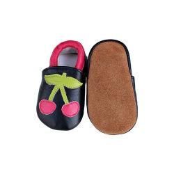 أحذية الأطفال الجلدية الناعمة سرير أطفال أول ولد ووكر مداسات لبشرة الغلاف أحذية الأطفال الرضع غير Slip