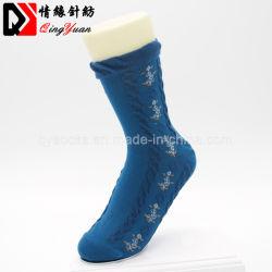 Patrón de la flor delicada Dama tejer calcetines tubo medio antideslizante