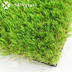 Verde naturale che modific il terrenoare il prato inglese artificiale dell'erba per la decorazione del giardino del cortile