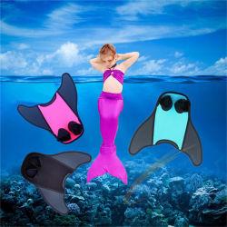 La nuova plastica del raggruppamento del bambino gioca la sirena Monofin, alette flessibili della sirena per nuoto