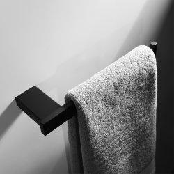 Os acessórios de banho porta-toalha em aço inoxidável preto