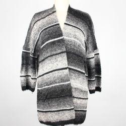 Damen strickten Steigung-Farben-Streifen-lange Wolljacke