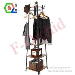 El marco de metal Coat Rack con ganchos y rampa de ropa