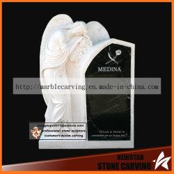 Pierre de granit avec Angel momument commémoratif de la pierre tombale de cimetière