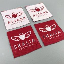 De conception privés minimum faible Logo personnalisé Textile Coupe de la chaleur des étiquettes tissées pour vêtements de cou