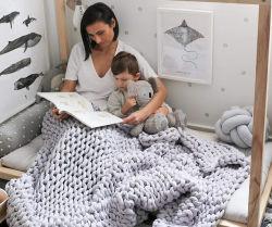 رمي محبوك مصنوع يدويًا كامل متعدد الألوان ومسامية من نوع Chunky Knit Acrylic بطانية لأسرة أريكة كبيرة الحجم