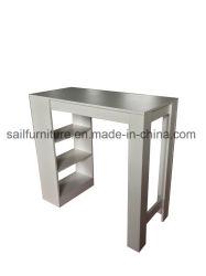 La barra de inicio mesa y sillas y mesa de café en Living y comedor
