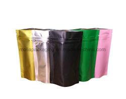 비닐 봉투는 또는 지퍼와 눈물 노치 명확한 Windows를 가진 주머니 음식 급료를 위로 서 있다