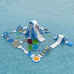 Riesiges Seeaufblasbarer sich hin- und herbewegender Wasser-Park-Spielplatz