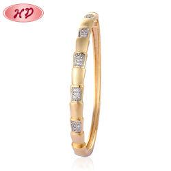 2020 HD nueva moda de joyería de oro Brazalete personalizado de Arabia Saudita diseños para niñas